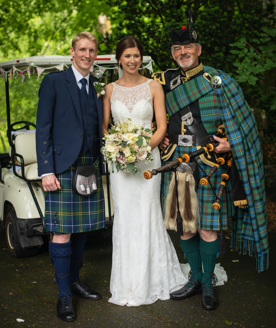 Wedding couple with Piper